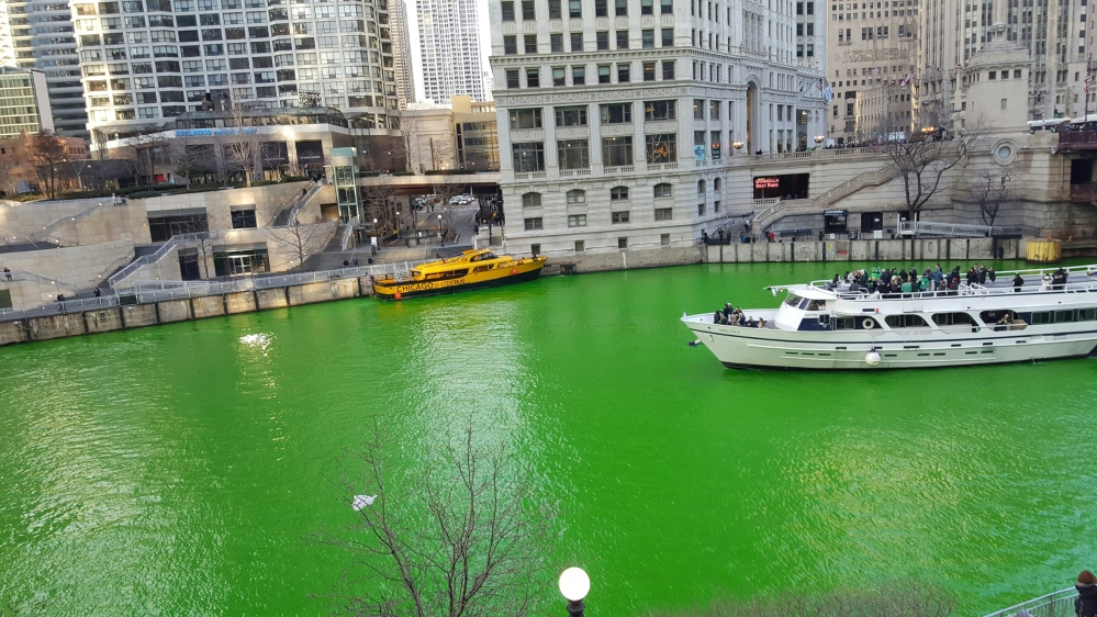 Chicago Green River Boats